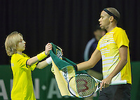 10-02-13, Tennis, Rotterdam, qualification ABNAMROWTT,  Josselin  Ouanna gets a towel from a ballboy