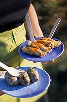 """Europe/Italie/Calabre/Filandari : Antipasti de l'auberge """"Frammiche"""" - Involtini d'aubergine et saucisse de porc avec fromage et herbes - Stylisme : Valérie LHOMME"""