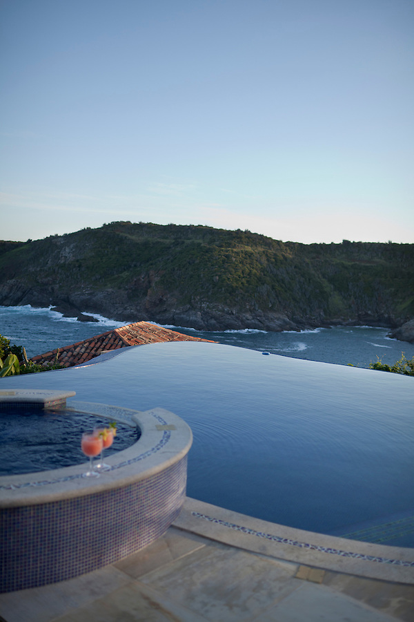 The infinity pool at Cliffside Villa.