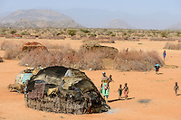 KENYA, Marsabit, Samburu village Hargura, Samburu is a pastoral tribe, temporary shelter / KENIA, Samburu Dorf mit Huetten