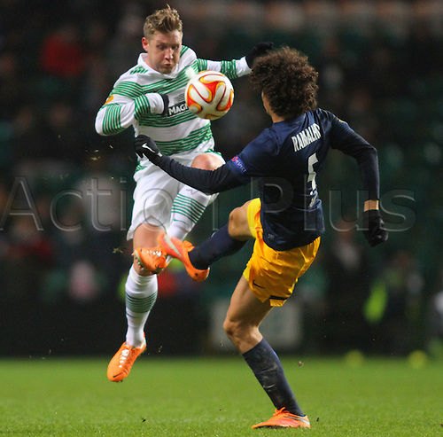 27.11.2014. Glasgow, Scotland. Europa League Group Stages Qualifying Round. Celtic versus FC Red Bull Salzburg. Kris Commons avoids a challenge from Andre Ramalho
