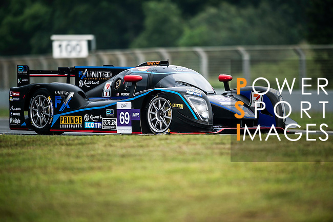 Aylezo Ecotint Racing, #69 Ginette LMP3, driven by Zen Low, Weldon Tan and Giacomo Barri in action during the Free Practice 1 of the 2016-2017 Asian Le Mans Series Round 1 at Zhuhai Circuit on 29 October 2016, Zhuhai, China.  Photo by Marcio Machado / Power Sport Images