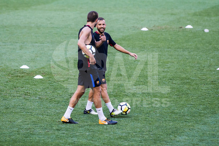 HARRISON, EUA, 21.07.2017 - BARCELONA-JUVENTUS -  Gerard Piquet e Jordi Alba do Barcelona durante treino um dia antes da partida contra a Juventus pela International Champions Cup na Red Bull Arena na cidade de Harrison nos Estados Unidos nesta sexta-feira, 21. (Foto: William Volcov/Brazil Photo Press)
