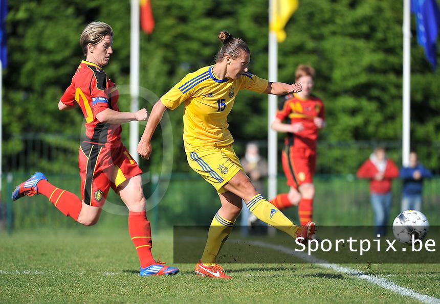 Belgium - Ukraine : Iya Andrushchak aan de bal voor Aline Zeler (links)<br /> foto DAVID CATRY / Nikonpro.be