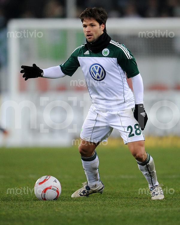 FUSSBALL   1. BUNDESLIGA   SAISON 2010/2010   15. SPIELTAG VfL Wolfsburg - SV Werder Bremen                          04.12.2010 DIEGO (VfL Wolfsburg) Einzelaktion am Ball