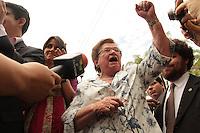 RIO DE JANEIRO, RJ, 23.09.2013 - COMITIVA VISITA INSTAL&Ccedil;&Otilde;ES DO DOI CODI  rj - <br /> Luiza Erundina na Comitiva de parlamentares,  representantes da Comiss&atilde;o da Verdade e do Minist&eacute;rio P&uacute;blico visitam o pr&eacute;dio onde funcionou o DOI-Codi, o &oacute;rg&atilde;o funcionava em um pr&eacute;dio dentro do quartel da PE na Tijuca, nessa segunda 23. (Foto: Levy Ribeiro / Brazil Photo Press)