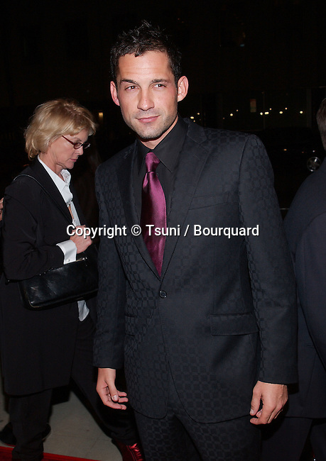 Enrique Murciano at the premiere of Black Hawk Down at the Academy of Motion Picture Arts and Sciences in Los Angeles. December 18, 2001.            -            MurcianoEnrique04.jpg