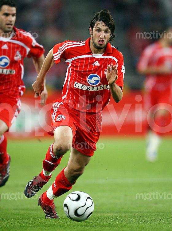 Fussball  1. Bundesliga  Saison 2006/2007 Thomas BROICH (1. FC Koeln), Einzelaktion am Ball