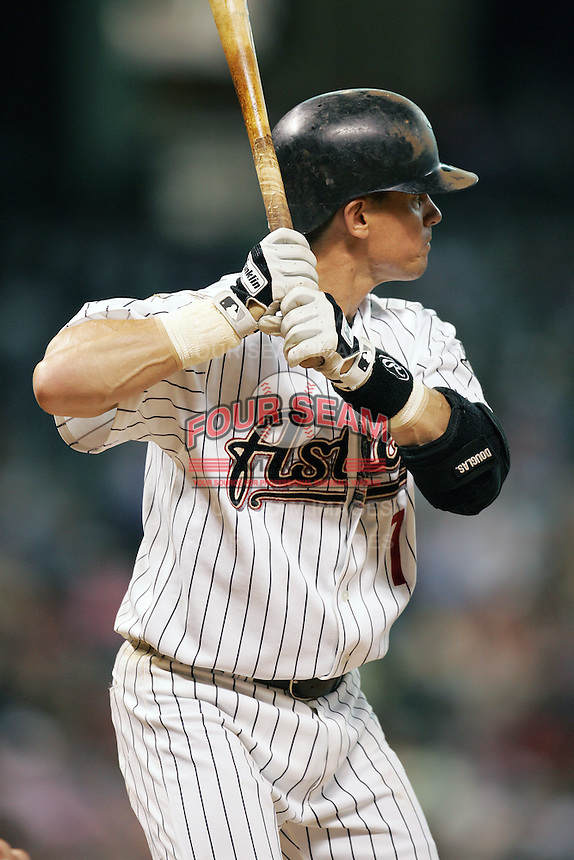 Houston Astros second baseman Craig Biggio (7) at bat during the Major League Baseball game against the Philadelphia Phillies on July 26, 2005 at Minute Maid Park in Houston, Texas. (Andrew Woolley/Four Seam Images)