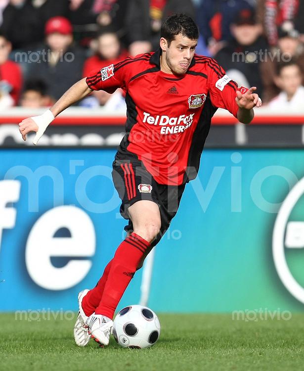 FUSSBALL     1. BUNDESLIGA     SAISON 2007/2008   21. SPIELTAG Bayer 04 Leverkusen - FC Schalke 04           23.02.2008 Tranquillo BARNETTA (Bayer 04 Leverkusen) Einzelaktion am Ball