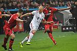 12.01.2018, BayArena, Leverkusen , GER, 1.FBL., Bayer 04 Leverkusen vs. FC Bayern M&uuml;nchen<br /> im Bild / picture shows: <br /> Arjen Robben (Bayern Muenchen #10),  im Zweikampf gegen  Dominik Kohr (Leverkusen #21), und Wendell (Leverkusen #18), <br /> <br /> <br /> Foto &copy; nordphoto / Meuter