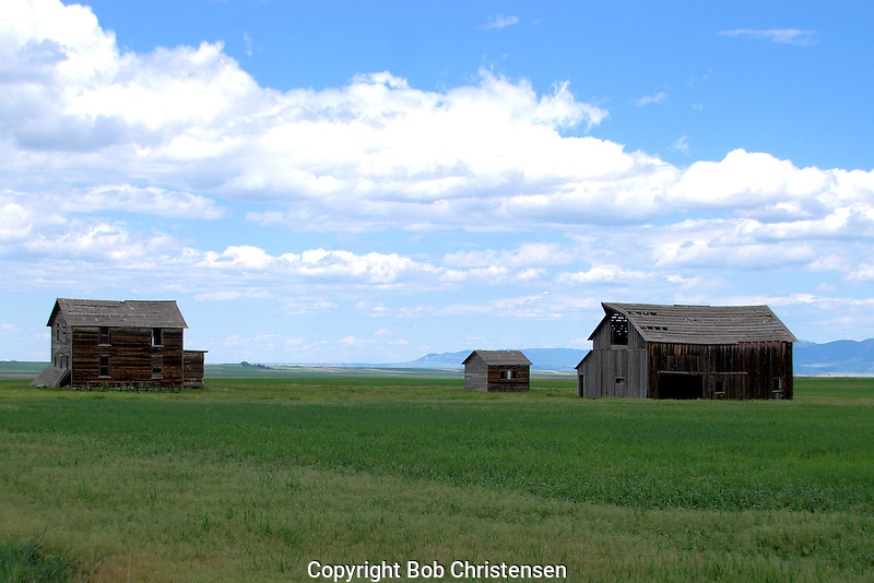 Photos of old buildings in Montana