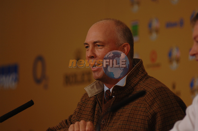 18th September, 2006. Dublin Ireland. Ryder Cup press Conference at the K club..American Ryder cup team captain Tom Lehman gives a press conference at the above..Photo: Barry Cronin/ Newsfile.<br />