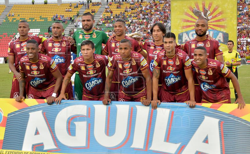 IBAGUE - COLOMBIA, 21-04-2018: Los jugadores de Deportes Tolima, posan para una foto durante partido entre Deportes Tolima y Millonarios de la fecha 17 de la Liga Aguila I 2018, jugado en el estadio Manuel Murillo Toro de la ciudad de Ibague. / Players of Deportes Tolima, pose for a photo during a match between Deportes Tolima and Millonarios of the 17th date for the Aguila League I 2018,  played at Manuel Murillo Toro stadium in Ibague city. Photo: VizzorImage / Juan Carlos Escobar / Cont.