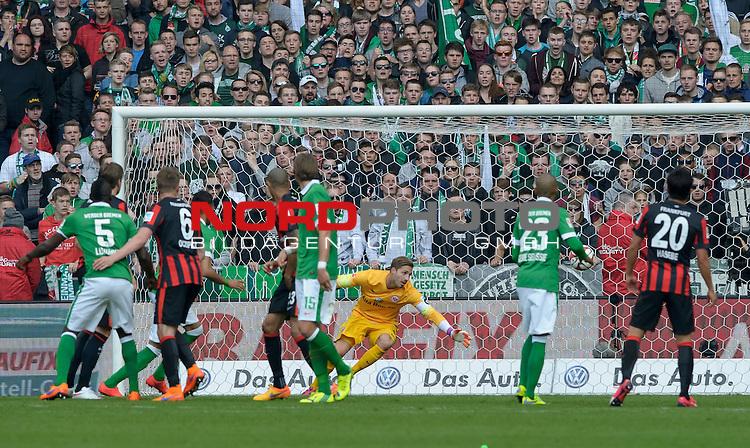 02.05.2015, Weserstadion, Bremen, GER, 1.FBL, Werder Bremen vs Eintracht Frankfurt, im Bild 1:0 durch Davie Selke (Bremen #27)<br /> <br /> Foto &copy; nordphoto / Frisch