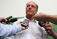.ATENCAO EDITOR: FOTO EMBARGADA PARA VEICULO INTERNACIONAL - SAO PAULO, SP, 13 DEZEMBRO 2012 - GOVERNADOR ALCKMIN NA CERIMONIA DOS 10 ANOS DO ACESSA SP NA ADEVA  - O governador Geraldo Alckmin participa da cerimonia em comemoracao dos 10 anos do posto do Acessa Sao Paulo na sede da ADEVA (Associacao de Deficientes Visuais e Amigos) na Vila Mariana zona sul da cidade nessa quinta 13. (FOTO: LEVY RIBEIRO / BRAZIL PHOTO PRESS)..