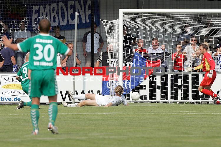 RLN 05 / 06 - 8. Spieltag<br /> <br /> Kickers Emden vs VFB Luebeck<br /> <br /> Tor durch Daniel Baerwolf / Luebeck ( li verdeckt )<br /> <br /> <br /> <br /> Foto &copy; nordphoto <br /> <br /> <br /> <br />  *** Local Caption *** Foto ist honorarpflichtig! zzgl. gesetzl. MwSt.<br /> <br />  Belegexemplar erforderlich