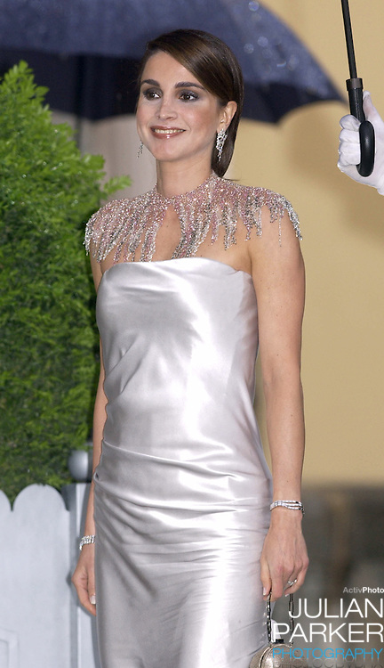 Queen Rania of Jordan attends a Gala Dinner at the El Pardo Royal Palace in Madrid..Picture: UK Press