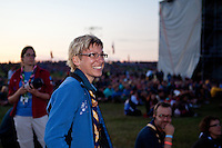 Camp chief Marie Reinicke enjoying the opening ceremony for the IST:s. Photo: Kim Rask/Scouterna