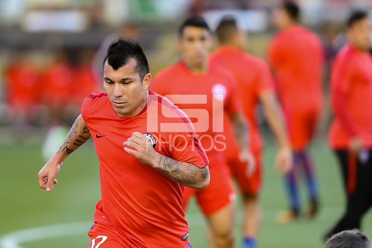 Santa Clara, CA - Saturday June 18, 2016: Gary Medel, Chile  during a Copa America Centenario quarterfinal match between Mexico (MEX) and Chile (CHI) at Levi's Stadium.