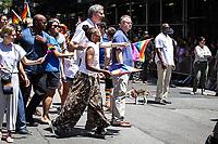 NEW YORK, EUA, 25.06.2017 - PARADA-NEW YORK - Prefeito de New York Bill de Blasio acompanhado de sua esposa Chirlane McCray durante a Parada do Orgulho LGBT na cidade de New York nos Estados Unidos neste domingo, 25. (Foto: Vanessa Carvalho/Brazil Photo Press)
