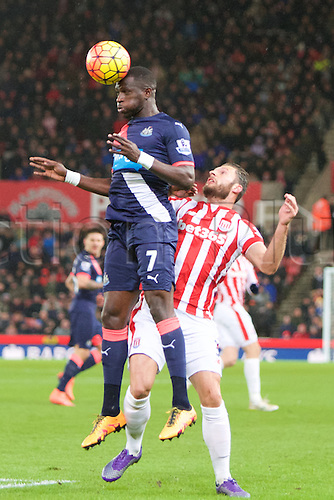 02.03.2016. The Britannia Stadium, Stoke, England. Barclays Premier League. Stoke City versus Newcastle United. Newcastle United midfielder Moussa Sissoko heads the ball.