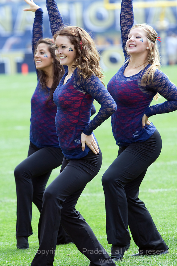 Pitt dance girls. The Pitt Panthers beat the Maine Black Bears 35-29 at Heinz Field, Pittsburgh, PA on September 10, 2011.