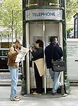 FRANCE / PARIS 25 April 2002--Paris street life.PHOTO: JUHA ROININEN.