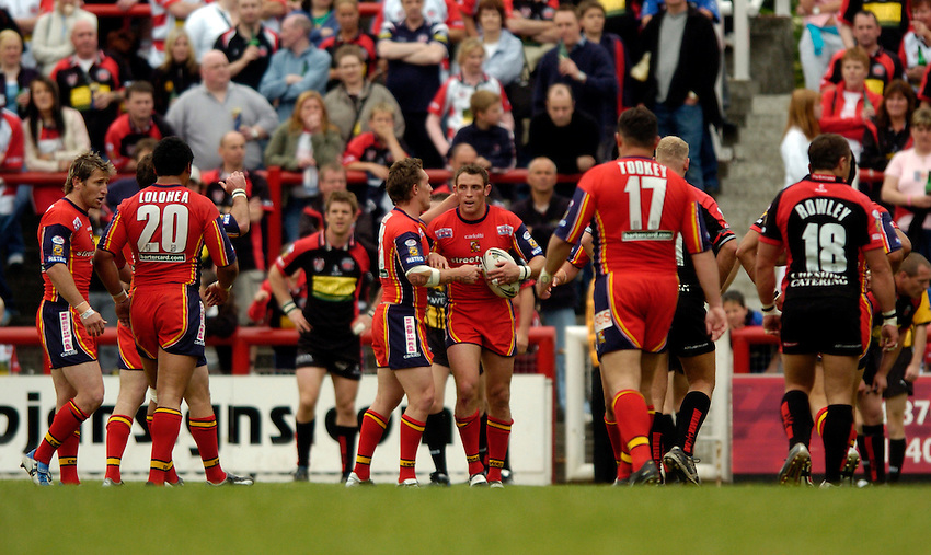 Photo. Richard Lane..London Broncos v Leigh Centurions. Engage Super League. 29/05/2005..Rob Purdham celebrates a try.