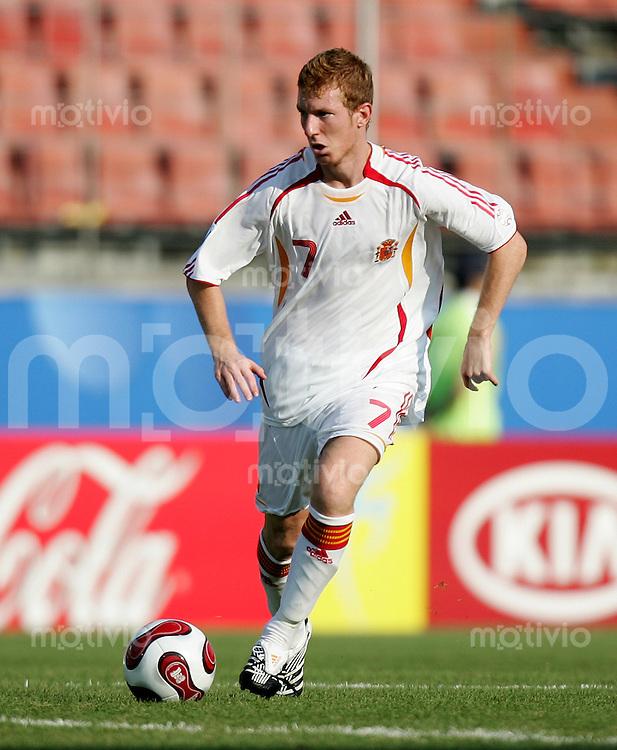 Fussball International U17 WM Korea  Spanien - Argentinien Spain - Argentina Ximo (ESP) am Ball