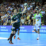 09.06.2019, Max Schmeling Halle, Berlin, GER, DHB,  1.HBL,  FUECHSE BERLIN VS. HSG Wetzlar,<br /> DHB regulations prohibit any use of photographs as image sequences and/or quasi-video<br /> im Bild 7m durch Hans Lindberg (Fuechse Berlin #18)<br /> <br />      <br /> Foto © nordphoto / Engler