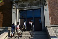 USA Chicago, south side of Chicago, Washington Park, afroamerikanisches Problemviertel mit Jugendgangs und hoher Kriminalitaet, St. Anselm Schule ist verpachtet