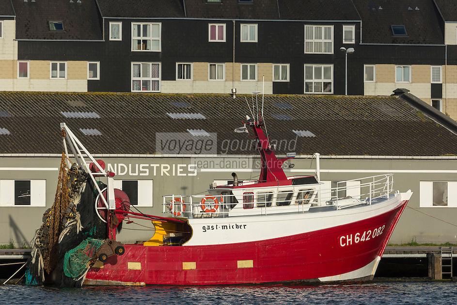 Europe/France/Normandie/Basse-Normandie/50/Manche/Cherbourg: Le port, Bateau de  Pêche // // France, Manche, Cotentin, Cherbourg, the harbour - fishing boat