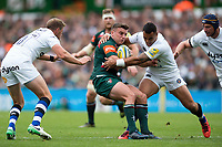 George Ford of Leicester Tigers is tackled by Kahn Fotuali'i of Bath Rugby. Aviva Premiership match, between Leicester Tigers and Bath Rugby on September 3, 2017 at Welford Road in Leicester, England. Photo by: Patrick Khachfe / Onside Images