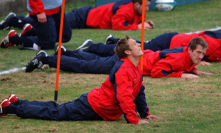Photo. Steve Holland. .England Press Training at Manly, Sydney. RWC 2003..13/11/2003..Jonny Wilkinson at training