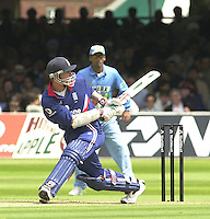 .29/06/2002.Sport - Cricket - .NatWest triangler Series England - Sri Lanka - India.England vs India 50 overs.  Lord's ground.England batting  Nick Knight ...