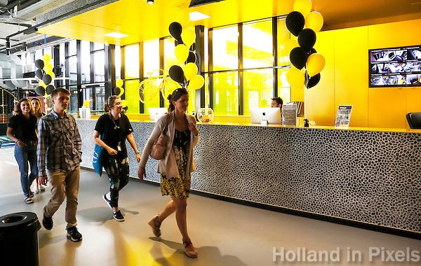 Nederland  Amsterdam  2016 . The Student Hotel aan de Wibautstraat. Foto Berlinda van Dam / Hollandse Hoogte