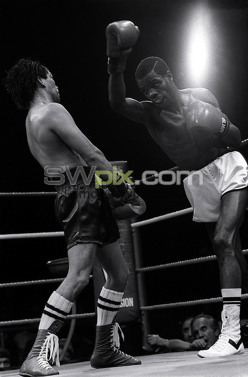 Pix:Michael Steele/SWpix...Boxing. Duke Mackenzie, Boxing , London, 1987...COPYRIGHT PICTURE>>SIMON WILKINSON..Duke Mackenzie, Boxing, London 1987.