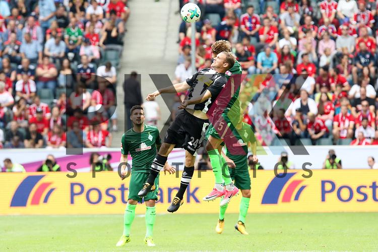 Gladbachs Tony Jantschke (Nr.24) hoch zum Kopfball gegen Bremens  (Nr.5)  beim Telecom Cup 2017 Borussia Moenchengladbach - SV Werder Bremen.<br /> <br /> Foto &copy; PIX-Sportfotos *** Foto ist honorarpflichtig! *** Auf Anfrage in hoeherer Qualitaet/Aufloesung. Belegexemplar erbeten. Veroeffentlichung ausschliesslich fuer journalistisch-publizistische Zwecke. For editorial use only.