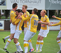 KVC Wingene - KSC Wielsbeke : vreugde bij Wielsbeke na het doelpunt van Angelito Bultynck. 0-2  (links)<br /> foto VDB / Bart Vandenbroucke