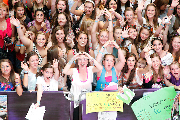 Fans pictured at a meet and greet with Selena Gomez at the King Of Prussia Mall in King Of Prussia, Pa for Monte Carlo  on June 20, 2011  © Star Shooter / MediaPunchInc