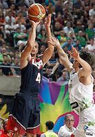 Slovenia's Domen Lorbek (r) and USA's Stephen Curry during 2014 FIBA Basketball World Cup Quarter-Finals match.September 9,2014.(ALTERPHOTOS/Acero)