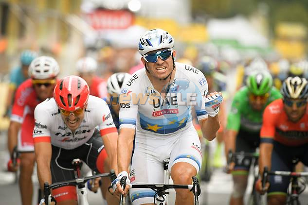 European Champion Alexander Kristoff (NOR) UAE Team Emirates outsprints John Degenkolb (GER) Trek-Segafredo to win Stage 21 of the 2018 Tour de France running 116km from Houilles to Paris Champs-Elysees, France. 29th July 2018. <br /> Picture: ASO/Alex Broadway | Cyclefile<br /> All photos usage must carry mandatory copyright credit (&copy; Cyclefile | ASO/Alex Broadway)