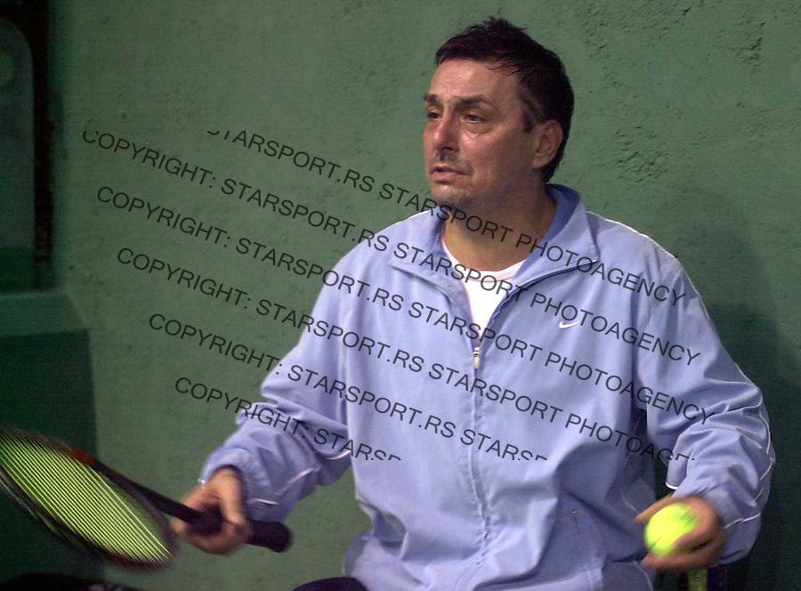 TENIS POZNATE LICNOSTI DJUKIC TERENI , 26.03.2004. Dragan Kojic Keba foto: Pedja Milosavljevic<br />
