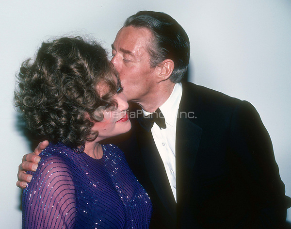Elizabeth Taylor and Halston 1978<br /> Photo By Adam Scull/PHOTOlink /MediaPunch