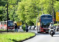 17th May 2020,Stadion An der Alten Försterei, Berlin, Germany; Bundesliga football, FC Union Berlin versus Bayern Munich;  Two team buses of FC Bayern Munich drive into the stadium