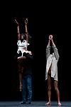 L'HOMME A TÊTE DE CHOU<br /> <br /> Pièce pour 12 danseurs chorégraphiée par : Jean-Claude Gallotta<br /> Paroles et musiques originales : Serge Gainsbourg<br /> Version enregistrée pour ce spectacle par : Alain Bashung<br /> Orchestrations, musiques additionnelles, coréalisation : Denis Clavaizolle<br /> Avec les danseurs : Axelle André, Naïs Arlaud, Paul Upali Gouëllo, Ibrahim Guétissi, Georgia Ives, Bernardita Moya Alcalde, Fuxi Li, Lilou Niang, Clara Protar, Jérémy Silvetti, Gaetano Vaccaro, Thierry Verger<br /> Assistante à la chorégraphie : Mathilde Altaraz<br /> Dramaturgie : Claude-Henri Buffard<br /> Mixage et coréalisation : Jean Lamoot<br /> Costumes : Marion Mercier<br /> Assistanat : Anne Jonathan, Jacques Schiotto<br /> Compagnie : Groupe Émile Dubois / Cie Jean-Claude Gallotta<br /> Date : 16/09/2019<br /> Lieu : Théâtre du Rond-Point<br /> Ville : Paris