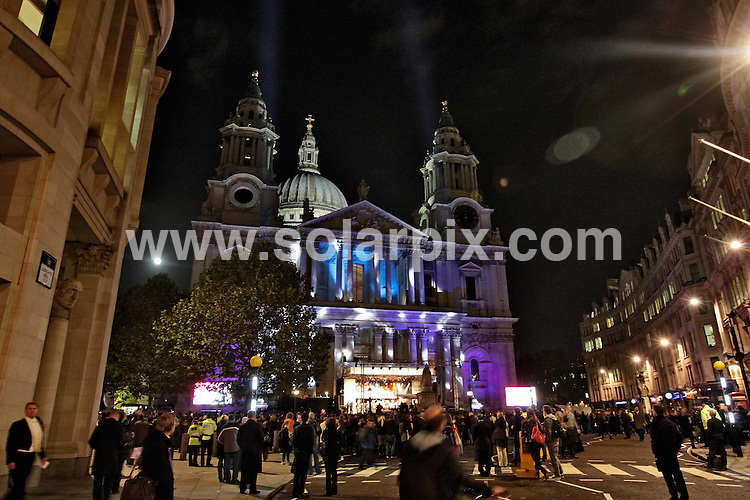 **ALL ROUND PICTURES FROM SOLARPIX.COM**.**NO UK NEWSPAPER PUBLICATION**.**UK MAGAZINE & SUPPLEMENT PUBLICATION ONLY** AND NO PUBLICATION IN AUSTRALIA, BELGIUM, FRANCE, GERMANY, ITALY, SCANDINAVIA AND USA** .St Paul's Cathedral in London before the new Christmas lights are switched on. London, UK. 3 November 2009..This pic: St Paul's Cathedral Christmas Lights..JOB REF: 10224 SFE       DATE: 03_11_2009.**MUST CREDIT SOLARPIX.COM OR DOUBLE FEE WILL BE CHARGED**.**MUST NOTIFY SOLARPIX OF ONLINE USAGE**.**CALL US ON: +34 952 811 768 or LOW RATE FROM UK 0844 617 7637**