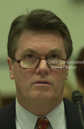 Jack Quinn, former White House counsel and attorney for Marc Rich, testifies before the United States House Committee on Government Reform and Oversight in Washington, D.C. on 8 February, 2001..Credit: Ron Sachs / CNP