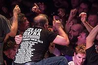 Jello Biafra Live im SO36 in Berlin.<br /> Die Punbkrock-Legende Jello Biafra, Gruender der Band Dead Kennedys, spielte am Dienstag den 25. August mit seiner Band The Guantanamo School Of Medicine im ausverkauften Berliner Club SO36 ein zweistuendiges Konzert.<br /> 25.8.2015, Berlin<br /> Copyright: Christian-Ditsch.de<br /> [Inhaltsveraendernde Manipulation des Fotos nur nach ausdruecklicher Genehmigung des Fotografen. Vereinbarungen ueber Abtretung von Persoenlichkeitsrechten/Model Release der abgebildeten Person/Personen liegen nicht vor. NO MODEL RELEASE! Nur fuer Redaktionelle Zwecke. Don't publish without copyright Christian-Ditsch.de, Veroeffentlichung nur mit Fotografennennung, sowie gegen Honorar, MwSt. und Beleg. Konto: I N G - D i B a, IBAN DE58500105175400192269, BIC INGDDEFFXXX, Kontakt: post@christian-ditsch.de<br /> Bei der Bearbeitung der Dateiinformationen darf die Urheberkennzeichnung in den EXIF- und  IPTC-Daten nicht entfernt werden, diese sind in digitalen Medien nach &sect;95c UrhG rechtlich geschuetzt. Der Urhebervermerk wird gemaess &sect;13 UrhG verlangt.]